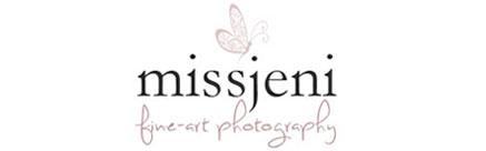 Bröllopsfotograf, Videograf, Porträttfotograf, Fotograf MissJeni, Sundsvall, Västerås, Västmanland, Sverige logo